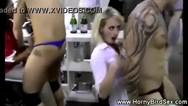Office babe sucking and hardcore fucking in the workplace