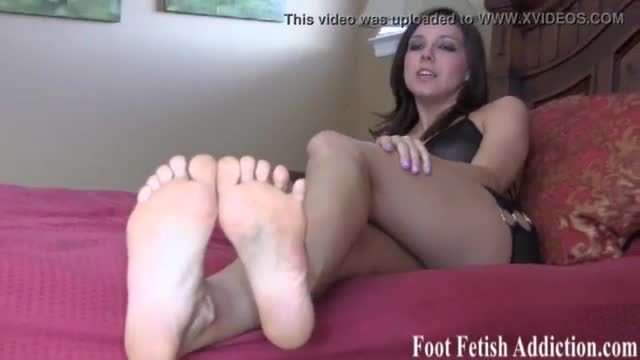 Stroke it for my big sexy size 11 feet